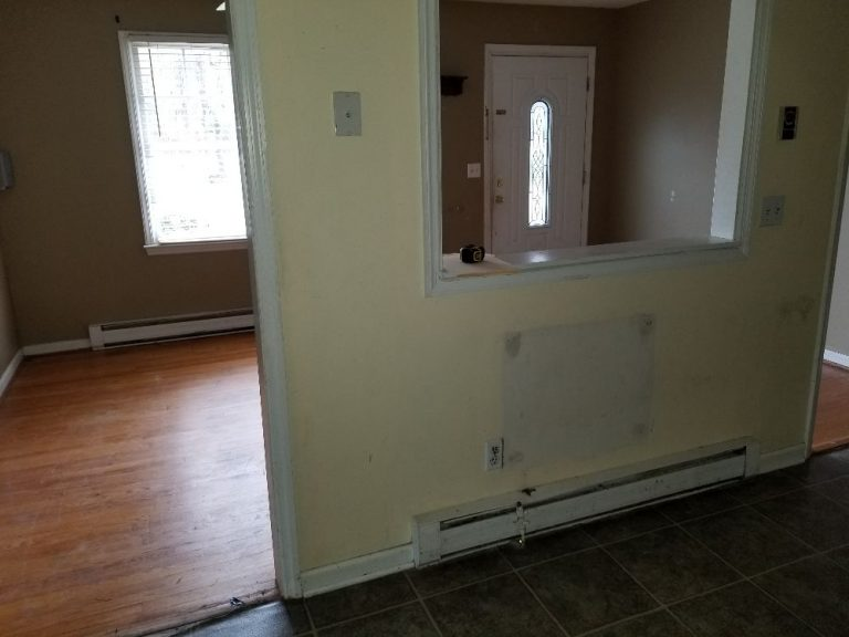 an old living room ready to be renovated
